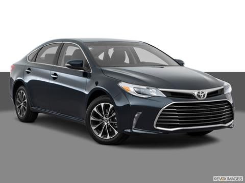 2017 Toyota Avalon XLE Pictures & Videos | Kelley Blue Book