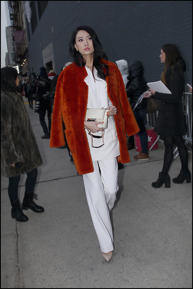 FW 2014-2 -25 w orange fur coat white top over white pants ol
