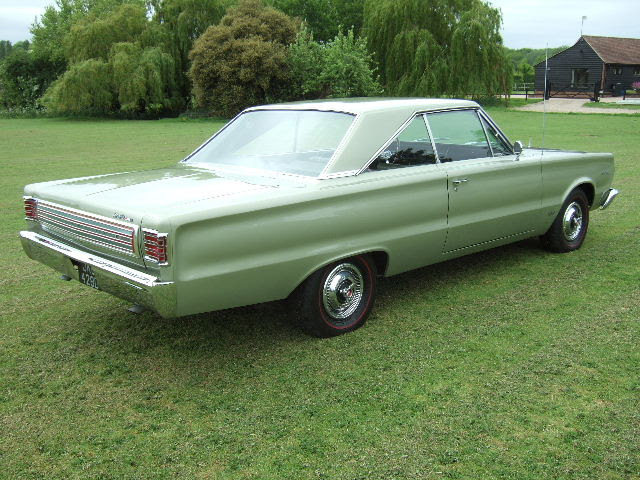 http://www.eppingmotorcompany.com/stock/page1/1966%20Plymouth%20Hemi%20Satellite%20Citron%20Gold/1966%20Plymouth%20Hemi%20Satellite%20Citron%20Gold%2012.JPG