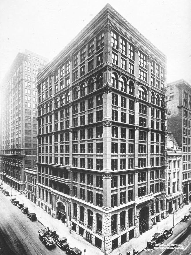 http://upload.wikimedia.org/wikipedia/commons/3/38/Home_Insurance_Building.JPG