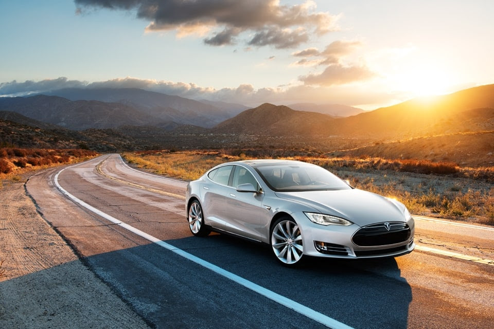 Model S in Silver, Desert Road