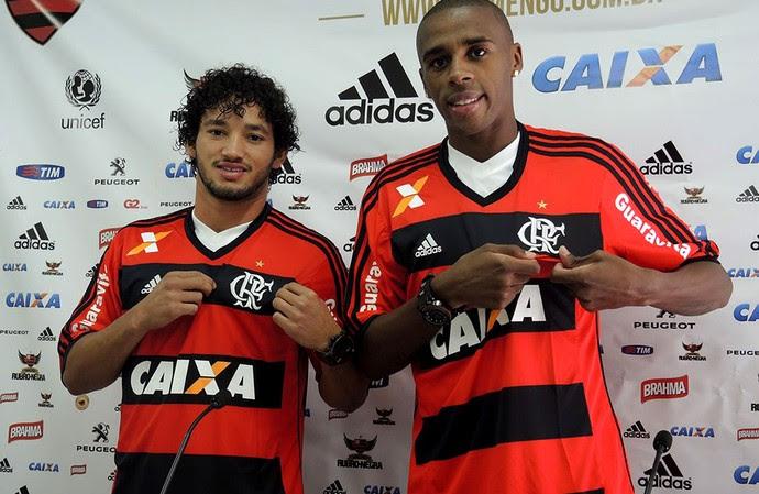 Arthur e Marcelo são apresentados pelo Flamengo (Foto: Cahê Mota )