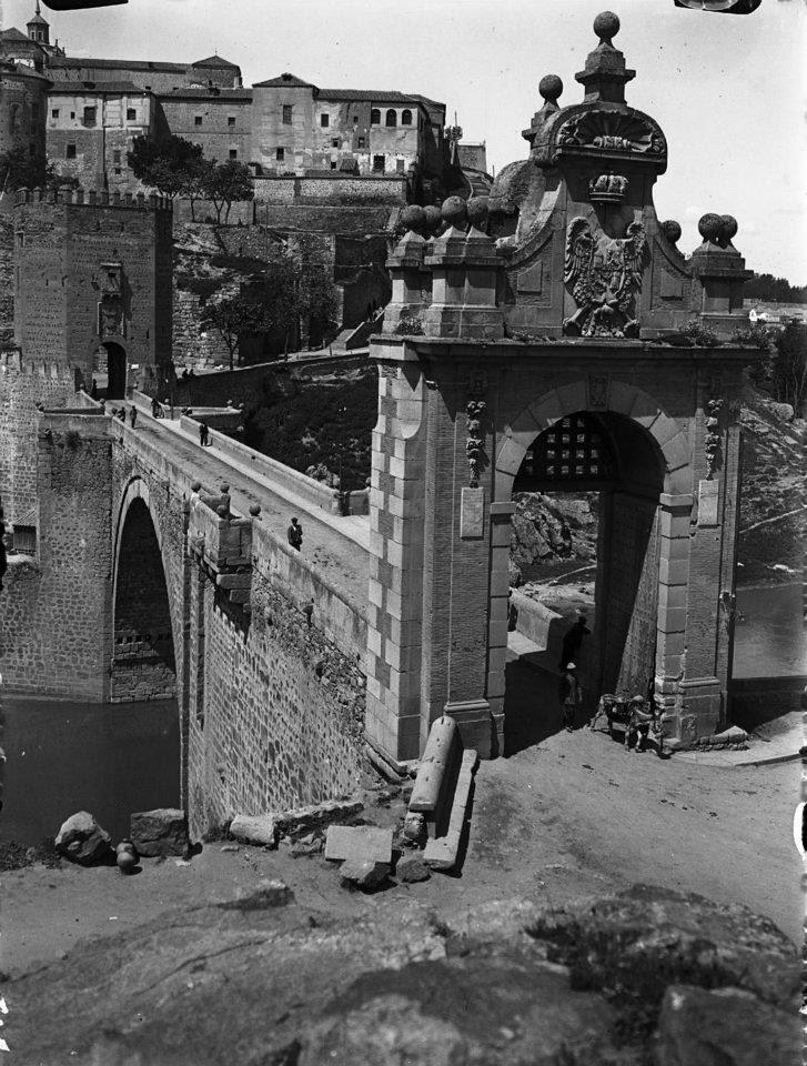 Puente de Alcántara en 1926. Fotografía de Otto Wünderlich