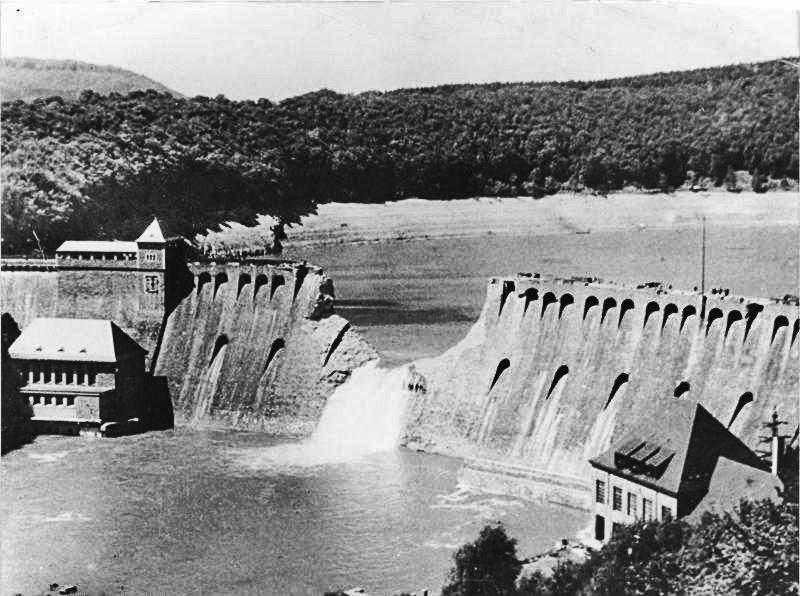 Eder Dam on 17 May 1943. Bundesarchiv, Bild 183-C0212-0043-012 / CC-BY-SA 3.0 , via Wikimedia Commons
