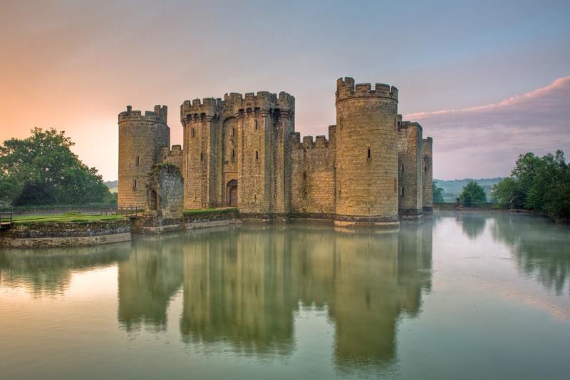 Замок Бодиам, Англия. Построен в 1385 году. европа, замки, история, средневековье