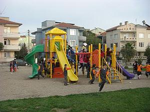 http://upload.wikimedia.org/wikipedia/commons/thumb/9/95/%C3%87ocuk_park%C4%B1.JPG/300px-%C3%87ocuk_park%C4%B1.JPG