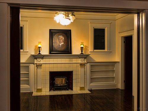 Rives Mansion room