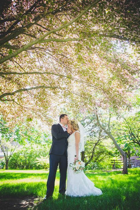 A Coral Wedding at The Boathouse at Confluence Park in