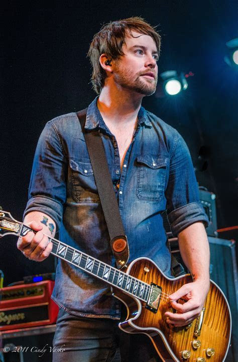 Review: David Cook pours heart and soul at Long Island