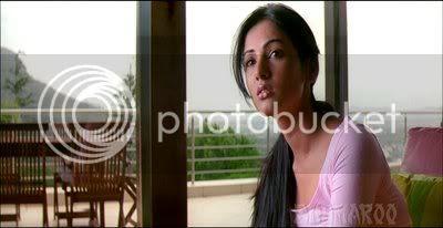 http://i298.photobucket.com/albums/mm253/blogspot_images/Jannat/PDVD_025.jpg
