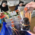 PHOTOS. Près de Reims, les sœurs de l'abbaye d'Igny garnissent les canetons en chocolat pour Pâques