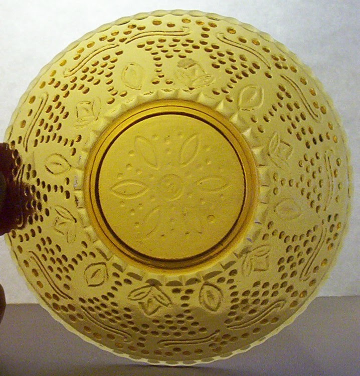 McCrory Dish meant to look like Federal Glass Heritage in amber