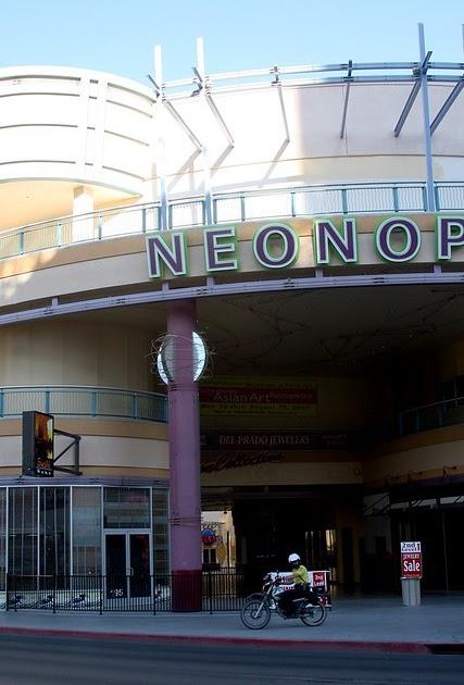 Cyclotram Neonopolis Las Vegas