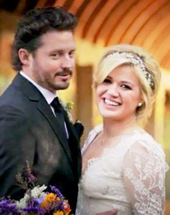 Kiss the Bride! Watch Kelly Clarkson's Romantic Wedding