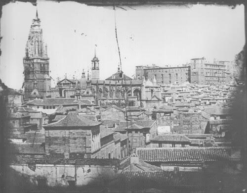 Catedral de Toledo con la Torre del Reloj en 1887 tras el incendio del Alcázar. Fotografía de Casiano Alguacil