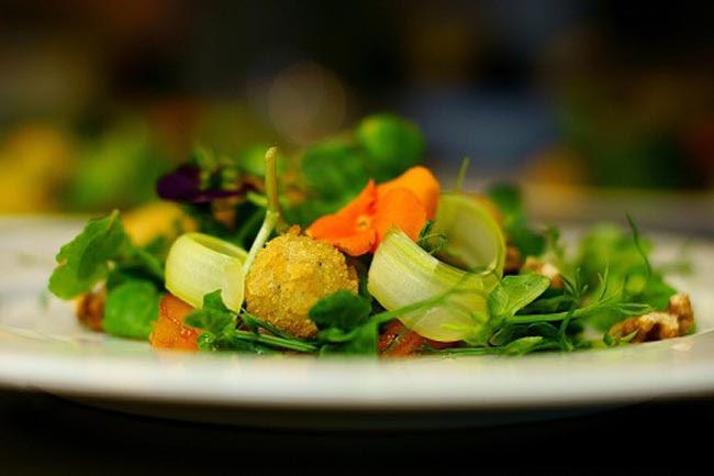 Self-restraint is key to healthy eating