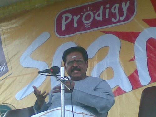 Suki Sivam addressing school children