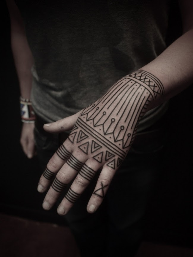 65 Mysterious Traditional Tribal Tattoos For Men And Women 2018