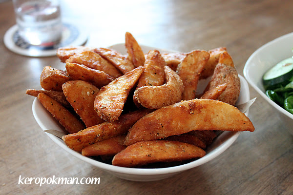 Kartoffelhappen : spicy potato wedges