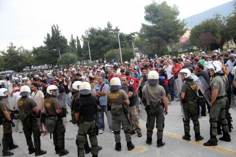 Ποιοι θέλουν να `σηκώσουν όπλα` οι στρατιωτικοί! Ζητείται ψυχραιμία κυρίως στο ΥΕΘΑ