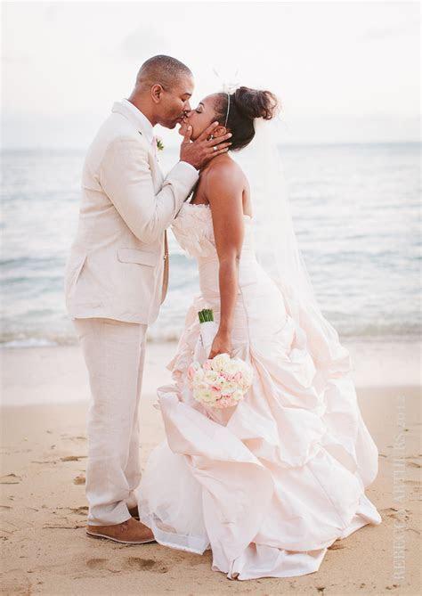 Hawaii Destination Wedding : Ocean Crystal Chapel : Erin
