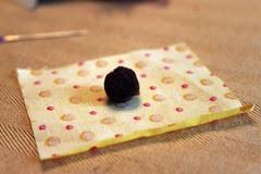 Fabric Pom Pom Tutorial -- 1