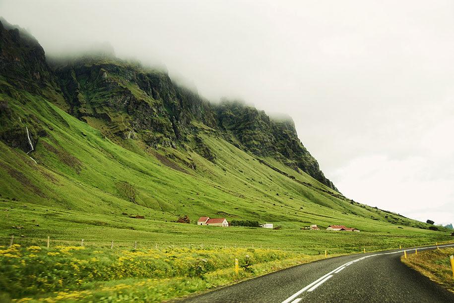 http://www.demilked.com/magazine/wp-content/uploads/2014/06/nordic-landscape-nature-photography-iceland-20.jpg