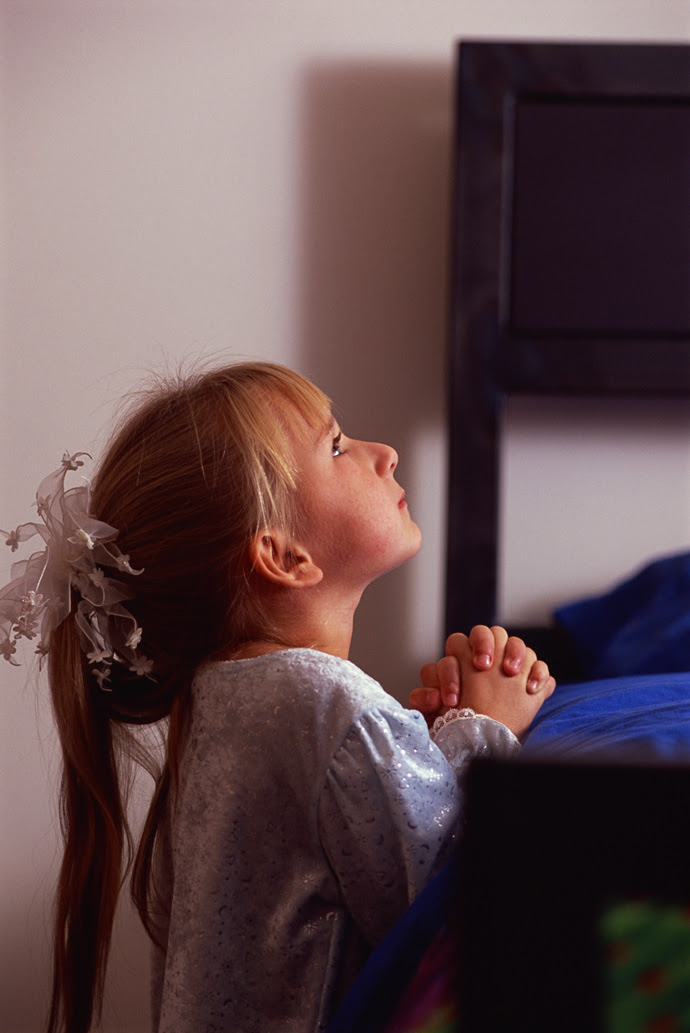 Sweet Pictures Of Children Praying Time For The Holidays