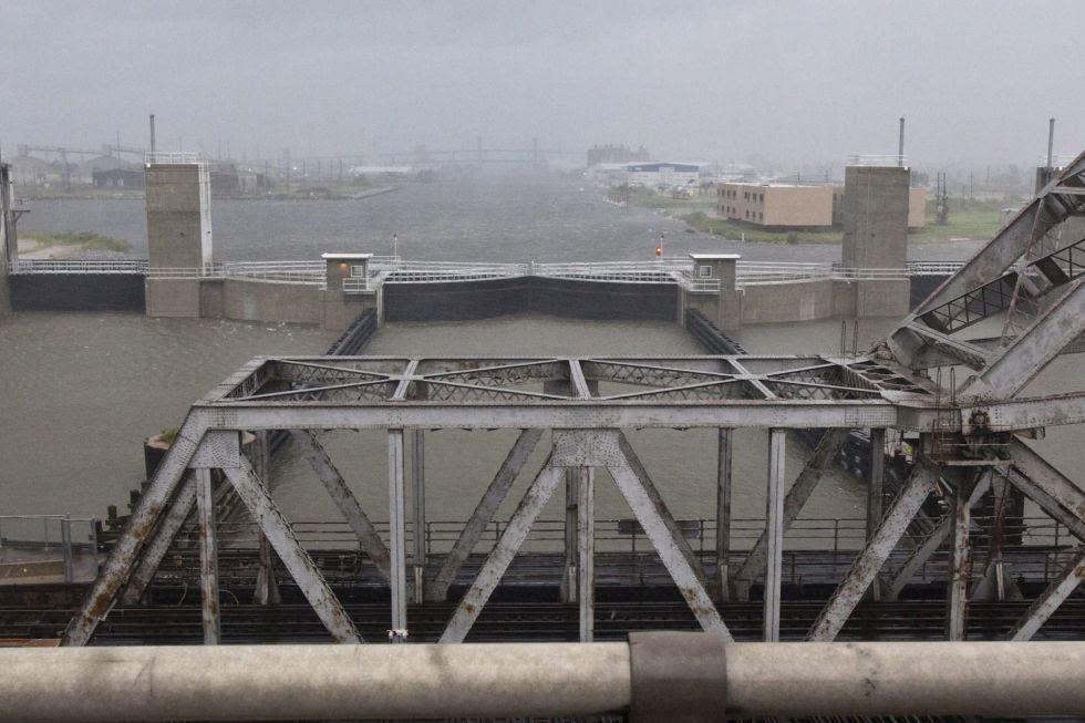 Sistema de diques en Nueva Orleans para control de inundaciones