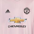 b83feb91bf9 Pretty in pink! Man Utd unveil new away kit amid Premier League struggles