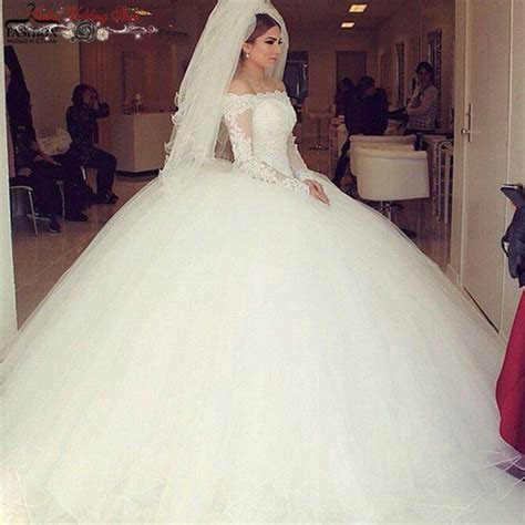 Princess Long Sleeve Puffy Ball Gown Wedding Dresses Off