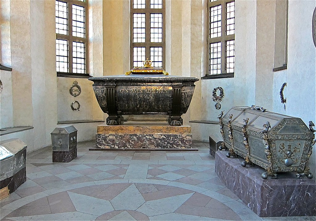 Riddarholmskyrkan Gustav II Adolfs sarkofag.jpg