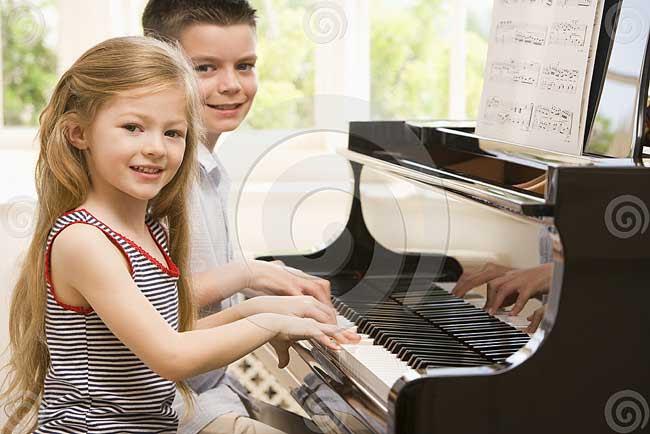 2.Bermain Musik