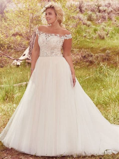 25  best ideas about Plus size wedding on Pinterest   Plus