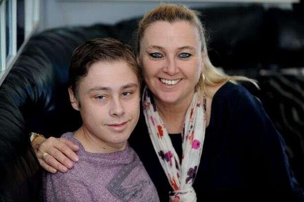 Jovem que planejou o próprio funeral recebe doação de órgãos e salva sua vida