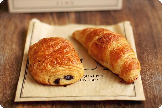 Pain au Chocolat & Croissant