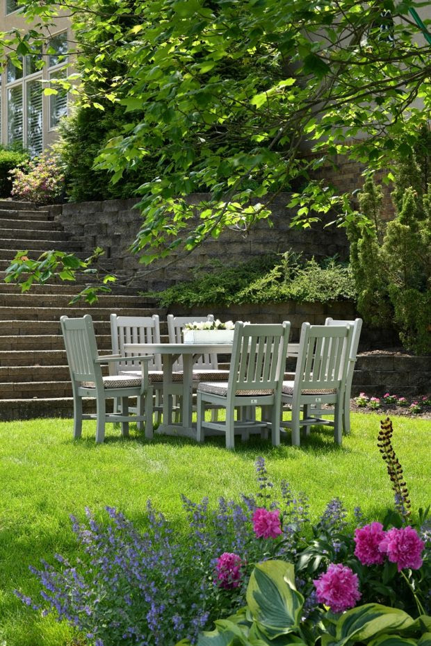 How to Create a Family-Friendly Outdoor Space?