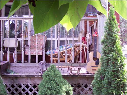 Guitar House, Jordan
