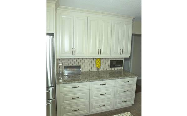 Kitchen Cabinets Antique White   Calgary Cabinets Depot