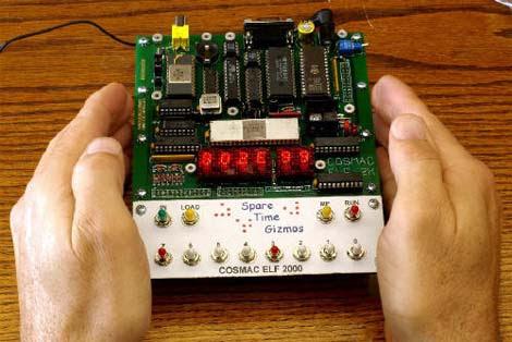 Relógio feito com o processador RCA 1802
