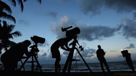 gty ηλιακή έκλειψη prep Jef 121113 wblog ολική έκλειψη ηλίου πάνω από Αυστραλία και Ειρηνικός: Live Video