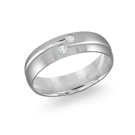 Mens Diamond White Gold Wedding Band with a Striped Design