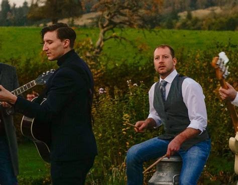 Hire Live Wedding Bands in Glasgow Area