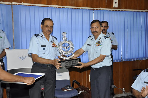Air Chief Marshal NAK Browne giving away Pride of S WAC - Best Major Station tropy  to Air Cmde RN Gaekwad VSM by Chindits