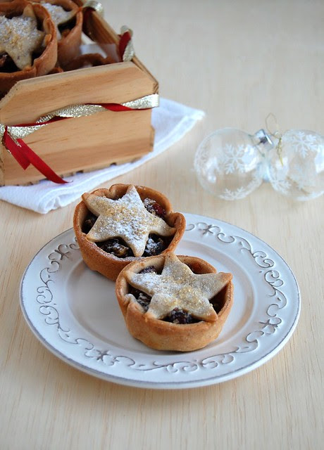 Cinnamon-chocolate fruit mince tarts / Tortinhas de fruit mince com chocolate e canela