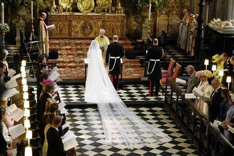 Meghan Markle arrives at Windsor Castle to marry Prince Harry