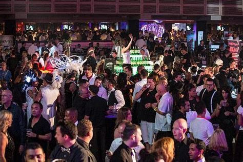 AFAN's 27th Annual Black & White Party Raises Over $130,000
