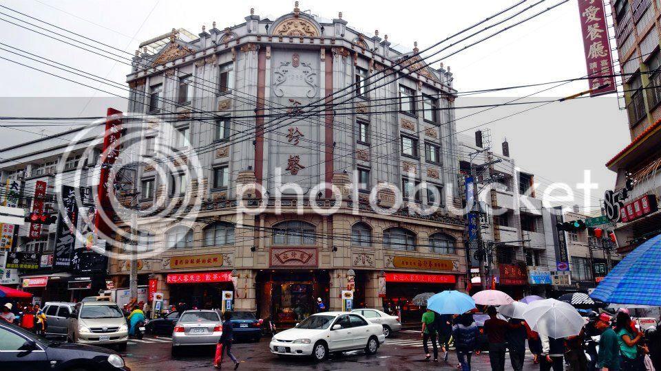 I really like old buildings. photo 387213_10151630120591202_1972520479_n.jpg