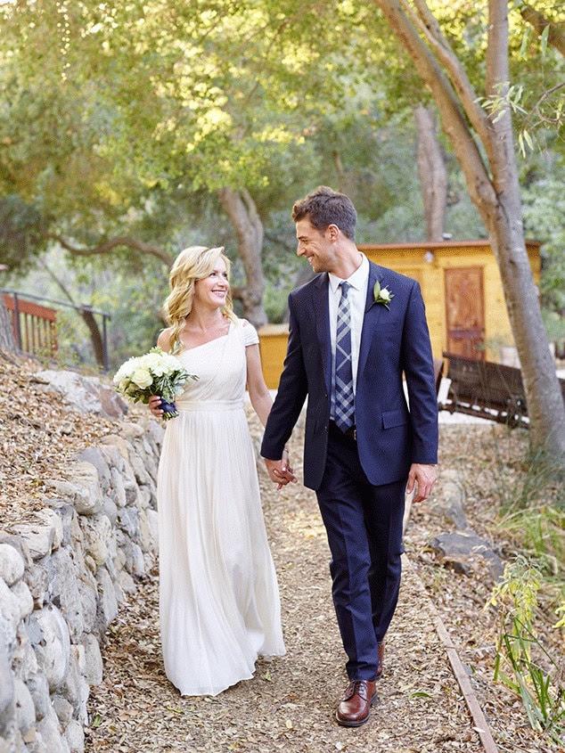 Angela Kinsey, Joshua Snyder, Wedding