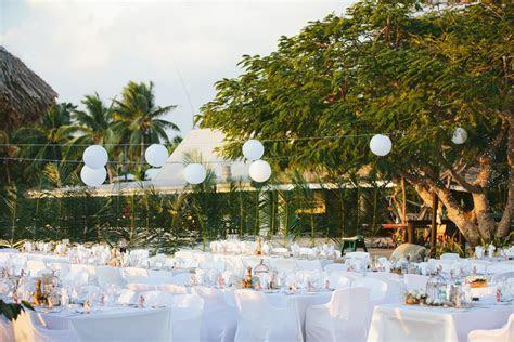 Fiji Weddings   Emma and Matt   Musket Cove   Decor Grace